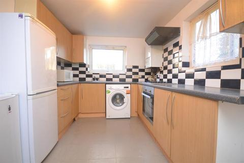 3 bedroom terraced house to rent - Salisbury Road, RG30 1BN