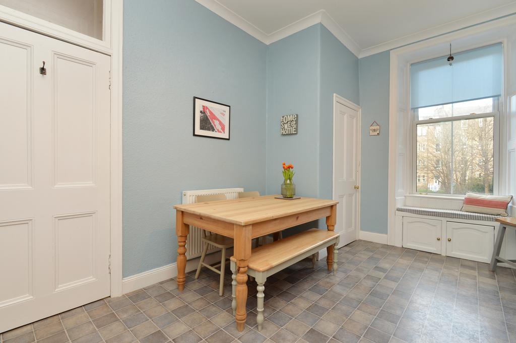 9 (1f1) Mertoun Place, Edinburgh EH11 1JU 1 bed flat for ...