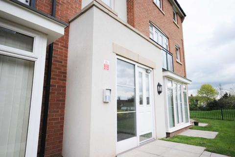 2 bedroom flat to rent - 139 Signals Drive