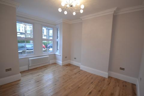 2 bedroom flat to rent - Francis Road, Leyton, E10