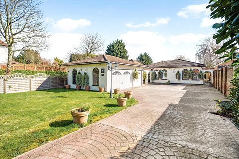 4 bedroom detached bungalow for sale - The Drive, Ickenham, Uxbridge, Middlesex, UB10