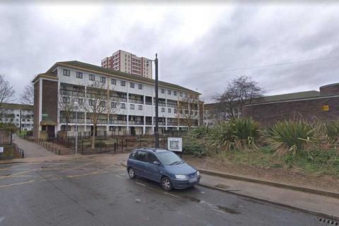3 bedroom flat - Summerwood Rd   Isleworth, Isleworth, Isleworth