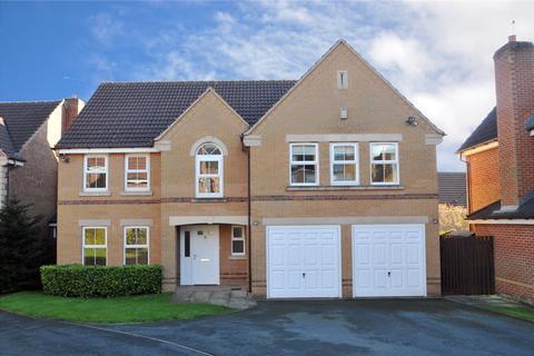 6 bedroom detached house for sale - Stoneleigh Close, Moortown, Leeds