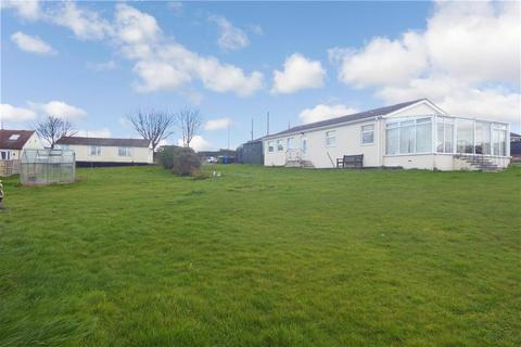 2 bedroom detached bungalow for sale - Bell Farm Lane, Minster On Sea, Sheerness, Kent