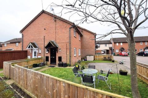 1 bedroom terraced house for sale - Field Way, Aylesbury