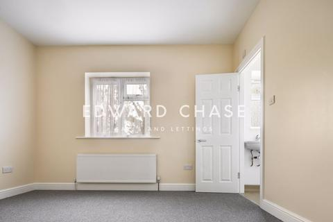 1 bedroom property to rent - Grasmere Gardens, Ilford, IG4