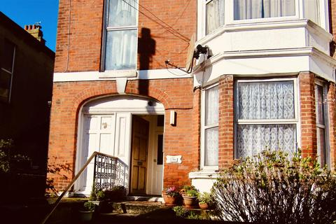 1 bedroom house share to rent - Wilton Road, Bexhill-On-Sea