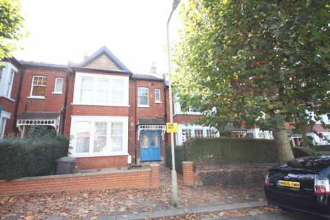 Studio to rent - Studio Flat on Grosvenor Road, N3