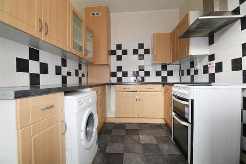 2 bedroom maisonette to rent - Southbury Road, Enfield