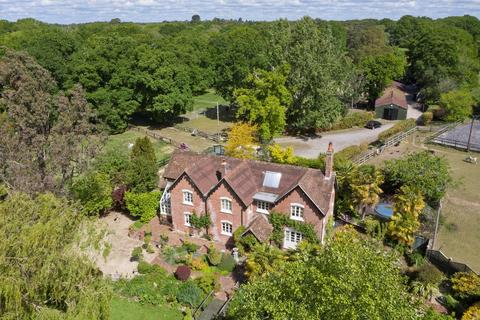 4 bedroom country house for sale - South Drive, Ossemsley, New Milton, BH25