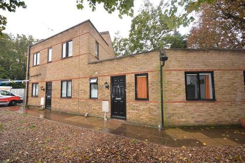 1 bedroom apartment to rent - Riverbank Court, Shrublands Close, Chelmsford, Essex, CM2