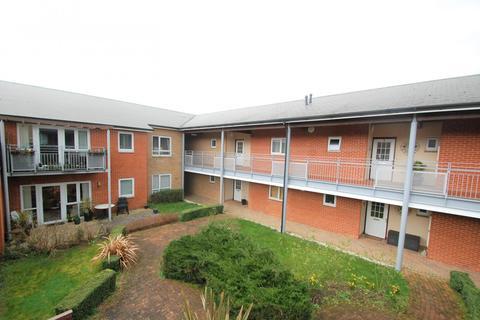 2 bedroom flat for sale - Albert Mews, Denham Garden Village, Denham, UB9