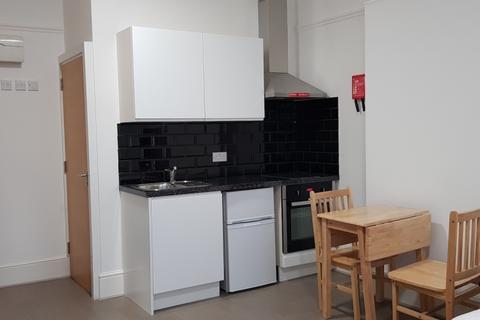 Studio to rent - Woolwich Road Charlton SE7