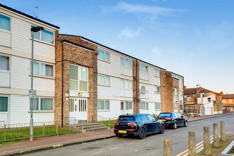 3 bedroom flat for sale - BRAMALL CLOSE, STRATFORD, LONDON. E15