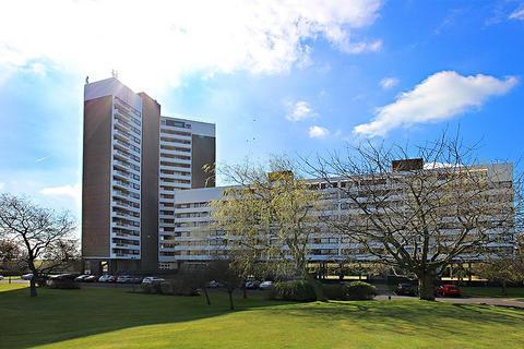 3 bedroom apartment to rent - Montagu Court, Newcastle Upon Tyne