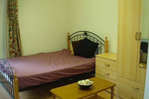 1 bedroom property to rent - 205 Clarendon Road