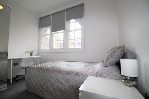 1 bedroom property to rent - 221 Woodhouse Street