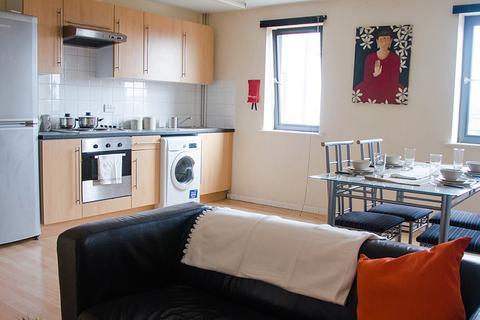 3 bedroom property to rent - 59-61 Clarendon Road