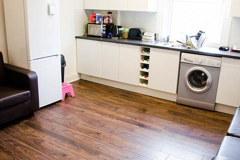 3 bedroom property to rent - 3 Winstanley Terrace