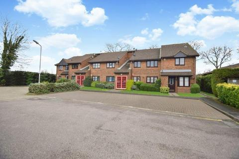 2 bedroom flat for sale - Troutbeck Close, Slough, SL2