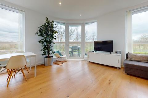3 bedroom flat for sale - Grayston House, London, SE3