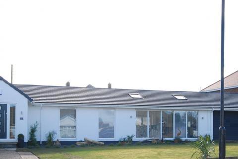 2 bedroom bungalow for sale - Hillcrest, East Herrington