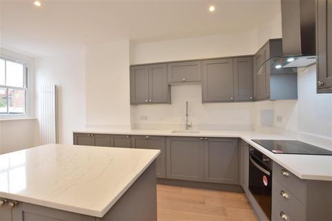 3 bedroom semi-detached house for sale - Barden Road, Tonbridge, Kent