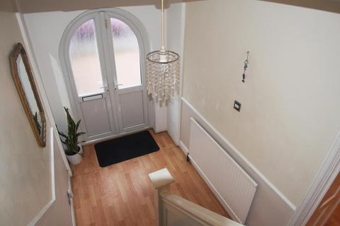 3 bedroom end of terrace house for sale - Windmill Road, London,N18