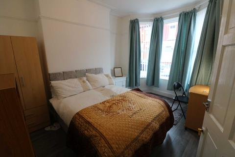 4 bedroom house to rent - Whitland Road, Liverpool