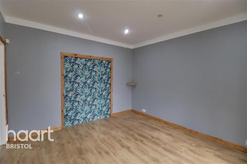 1 bedroom in a house share to rent - Tredegar Road