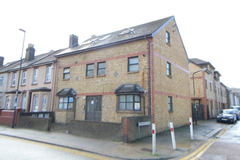 Studio for sale - Connaught Road, Chatham, ME4