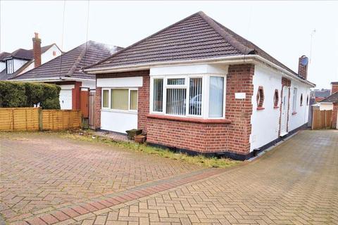 3 bedroom detached bungalow to rent - Southview Drive, South Benfleet, Essex SS7