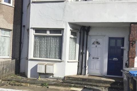 2 bedroom flat for sale - Brendon Avenue, Neasden, NW10