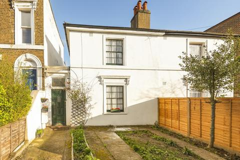 3 bedroom semi-detached house for sale - Commercial Way Peckham SE15