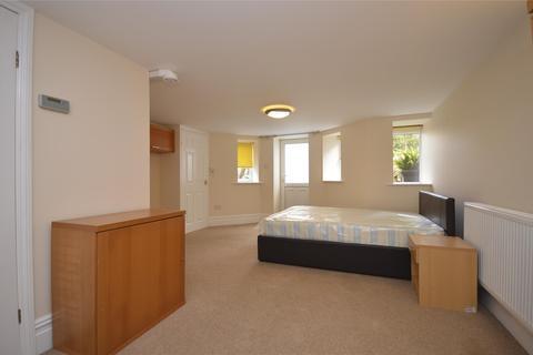 Studio to rent - Redland Road, Rear Studio Flat, BRISTOL, BS6