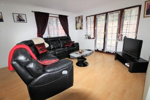 2 bedroom bungalow to rent - Rose Mews, Edmonton, N18