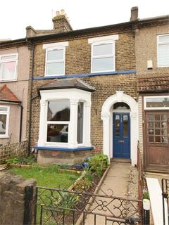 2 bedroom flat to rent - Ordnance Road, Enfield, Greater London