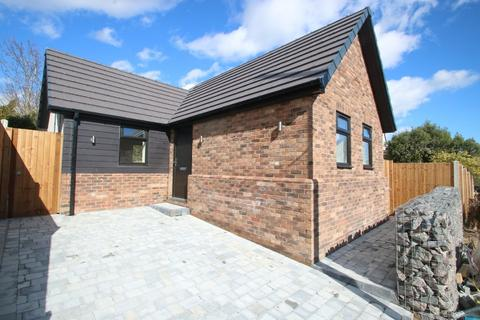 1 bedroom detached bungalow for sale - The Westerings, Hockley