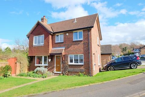 4 bedroom detached house for sale - Warnford Road, Orpington