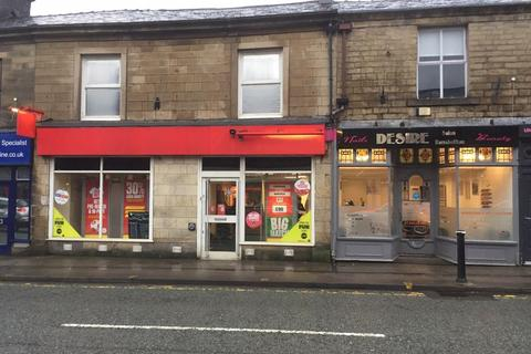 Retail property (high street) to rent - Bolton Street, Bury