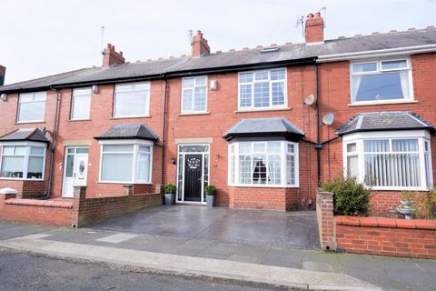 3 bedroom house - Windermere Terrace, North Shields