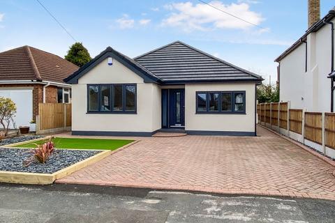 3 bedroom bungalow for sale - St Johns Road, Wilmslow, SK9