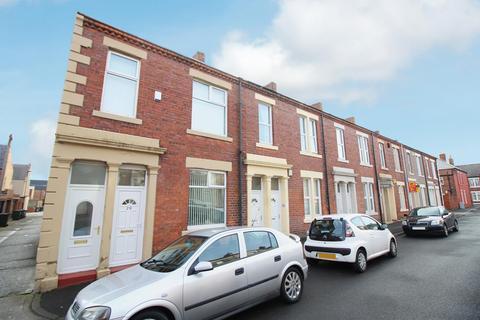 3 bedroom flat for sale - Hopper Street West, North Shields