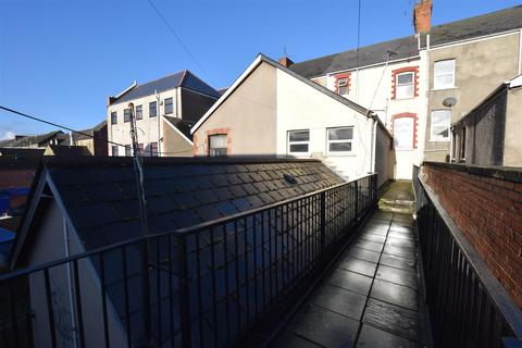 1 bedroom flat to rent - Holton Road, Barry