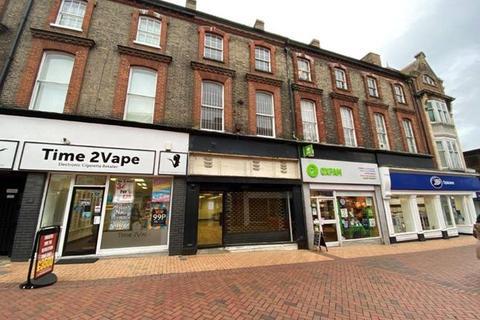 Retail property (high street) to rent - 51 Buttermarket, Ipswich, Suffolk