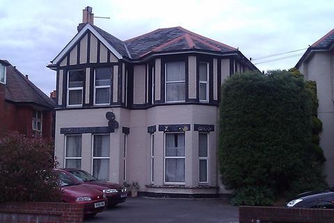 Studio to rent - 48 Alum Chine Road, Bournemouth, Dorset, BH4