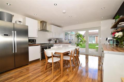 3 bedroom terraced house for sale - Highmead, London