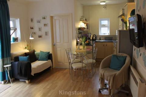 Studio to rent - Mackintosh Place, Cardiff.