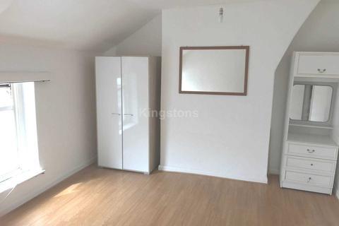 Studio to rent - Tudor Street, Riverside, CF11 6AF