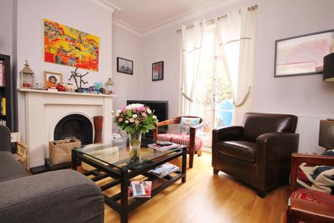 2 bedroom house to rent - Bute Gardens, London, W6